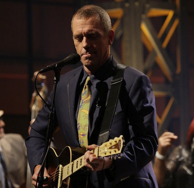 Hugh Laurie performs on `The Tonight Show with Jay Leno.` (photo by Paul Drinkwater/NBC)