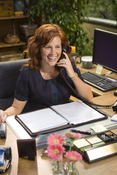 Elisa Donovan is Gayle Evans on `In Gayle We Trust.` (NBC photo by Paul Drinkwater)