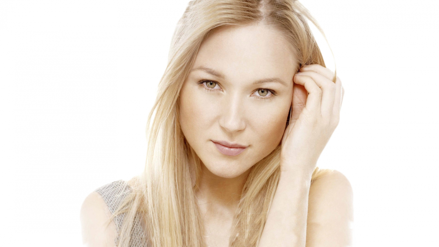 Jewel will perform at the Seneca Niagara Events Center in Niagara Falls.