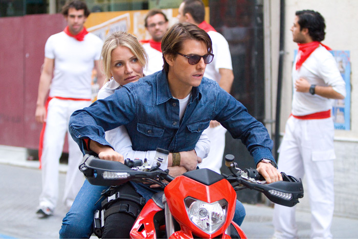 Tom Cruise and Cameron Diaz star in `Knight and Day.` (photo by Frank Masi © Twentieth Century Fox Film Corporation. All Rights Reserved.)