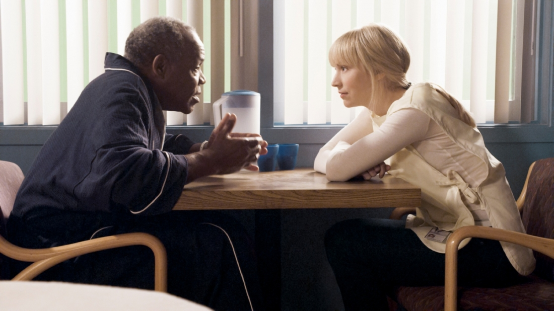 Danny Glover and Beth Riesgraf share a moment on `Leverage.` (TNT photo by Erik Heinila)