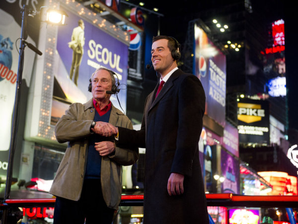 New York City Mayor Michael Bloomberg, left, and Carson Daly celebrate New Year's Eve 2010 during `NBC's New Years Eve with Carson Daly.` (Photo by Charles Sykes/NBC)