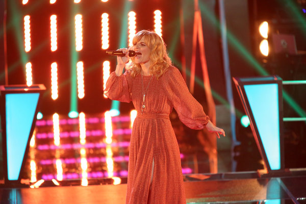 Suzanna Choffel performs on `The Voice.` (photo by Tyler Golden/NBC)