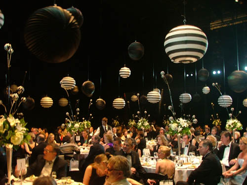 Dinner was served on the legendary Artpark stage, which, like the decorations, was impeccably dressed in black and white.