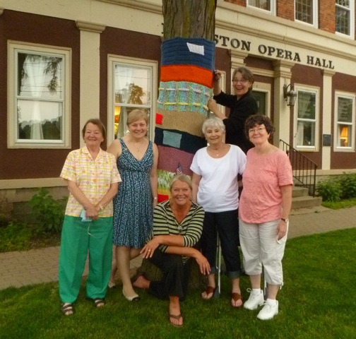 In the photo, from left, are Diane Oberlander, Liz Kovacs, Eva Nicklas, Katherine Argy, Kathleen Godwin and Claire Schultz.
