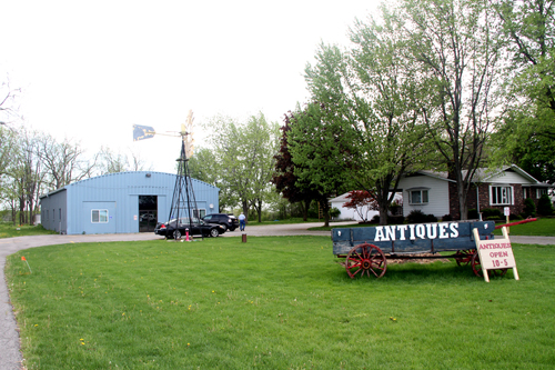 Lewiston Antique Mall at 2692 Saunders Settlement Road, Sanborn.