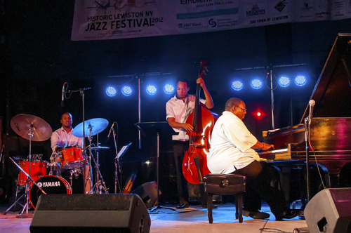 Hot weather and hotter jazz brought huge crowds to town last weekend for the annual Historic Lewiston Jazz Festival.