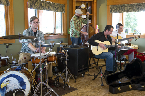 The band Varuna entertains shoppers at Schulze Vineyards and Winery during Small Business Saturday. The Niagara Wine Trail featured sales and specials all day to promote shopping in local businesses. (photo by Wayne Peters)
