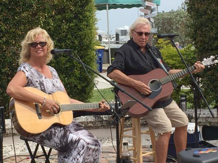 The Traveling Towpath Troubadours (Bill and Kay McDonald) will cruise into Lockport on Friday, July 8, for `Fun, Food & Folk,` a free concert on the banks of the Erie Canal.