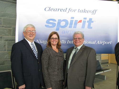 Wheatfield Supervisor Bob Cliffe, left, and Town of Niagara Supervisor Steve Richards, right, met with Misty Pinson, Spirit Airlines corporate communications director, last week.