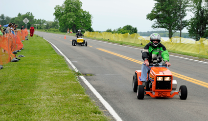 Lawn-Mower-Race-2015-36